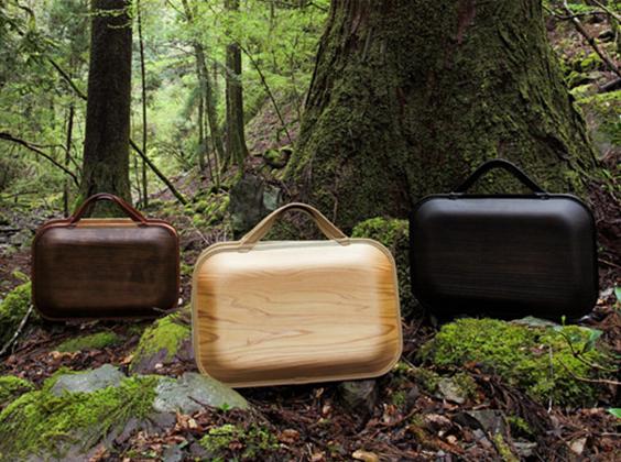世界が注目している![木の鞄-カバン-]木と人と街をつなぐ製品、高知県馬路村の森が生んだオールハンドメイド 【monacca-モナッカ-】