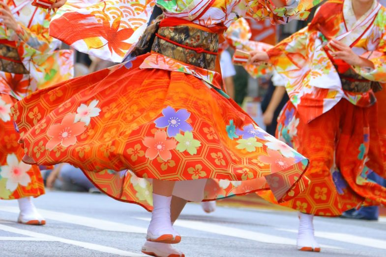 【伝統行事】高知県民にとって夏の最大イベント「よさこい祭り」ってどんなお祭り?